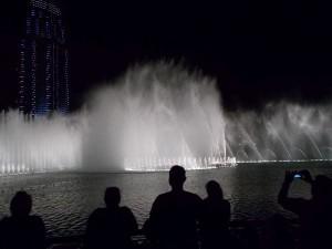 8_UAE_Burj-Kalifa_Wasserfontänen