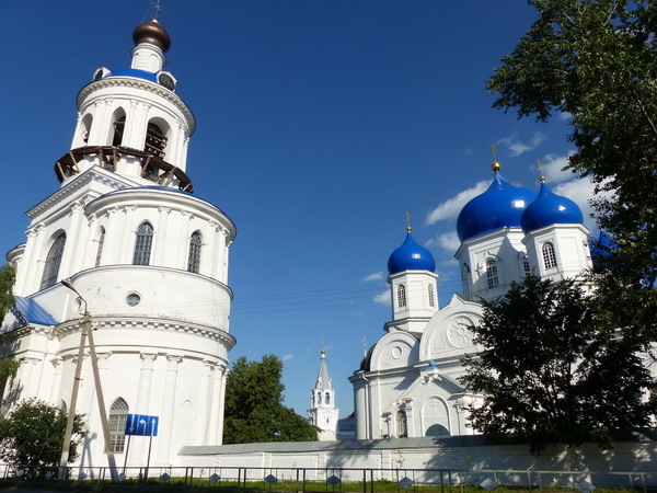 146-RUS_vor-Vladimir_Borschlow_w-bl.Kiche