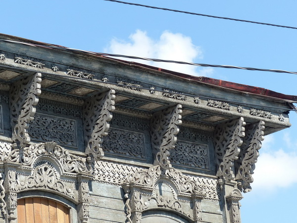 30-RUS_to-Novosib._kl.Stadt-Haus-Giebel