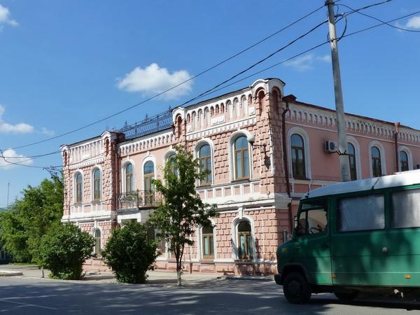31-RUS_to-Novosib._kl.Stadt-Haus-rosa-Minna