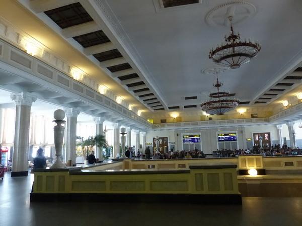 40-RUS_to-Novosib_Bahnhof-Wartesaal