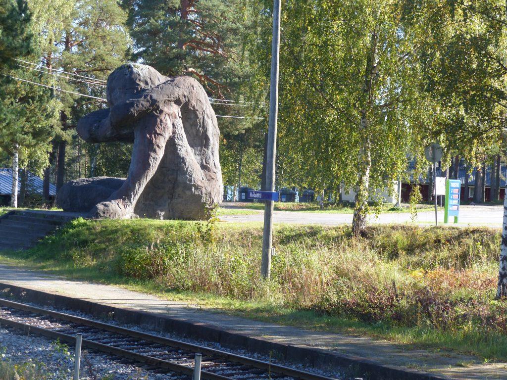 22-29_fin-tohels_skulptur