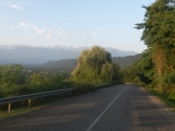9_GE_18-6-28_hinterSugdidi_erste Berge